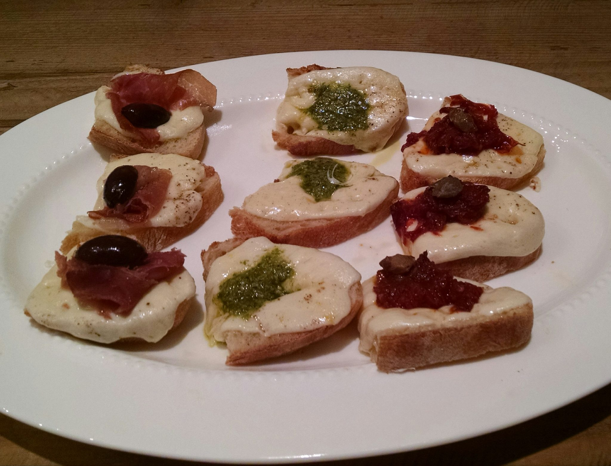 Recipe Thursdays- Mozzarella Crostini 3 Ways in 10 Minutes