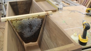 How the bars fit in the body  of the hive