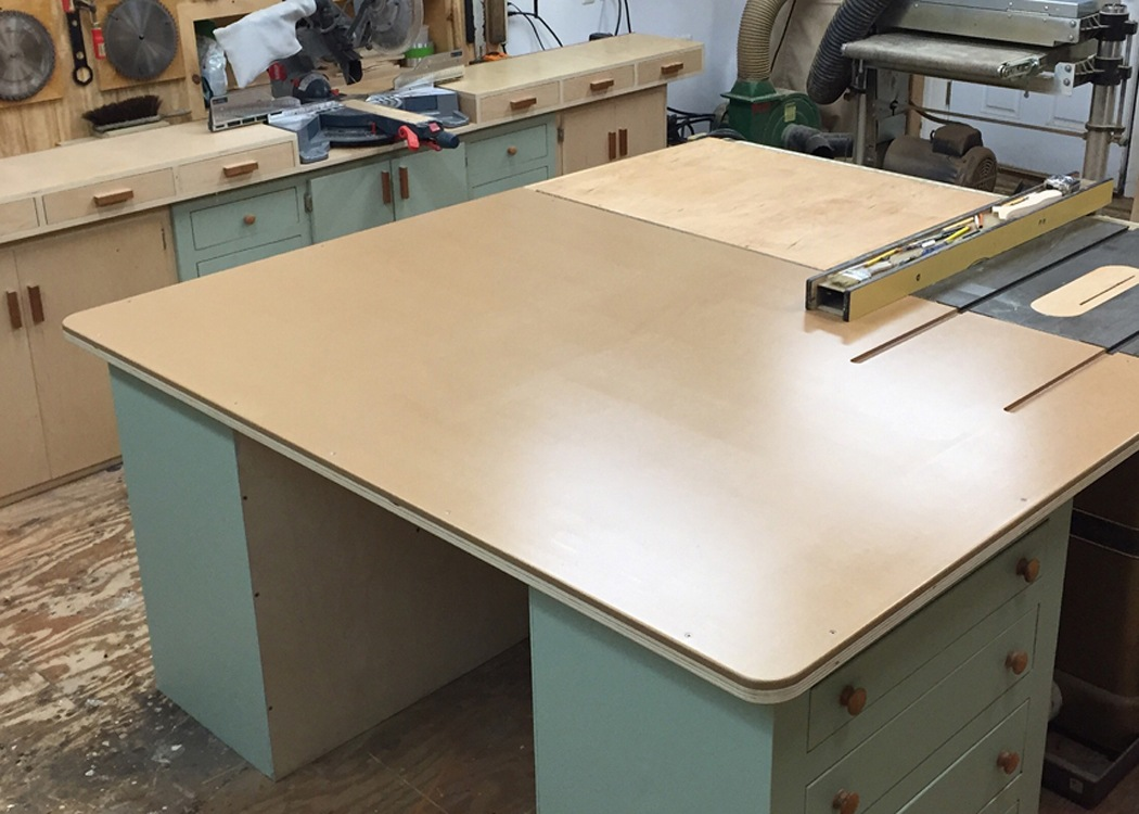 Repurpose Old Cabinet into New Table Saw Outfeed Table