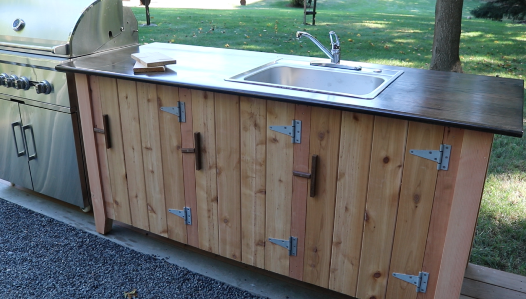 Best 80 building outdoor kitchen cabinets design for Outdoor kitchen cabinets plans