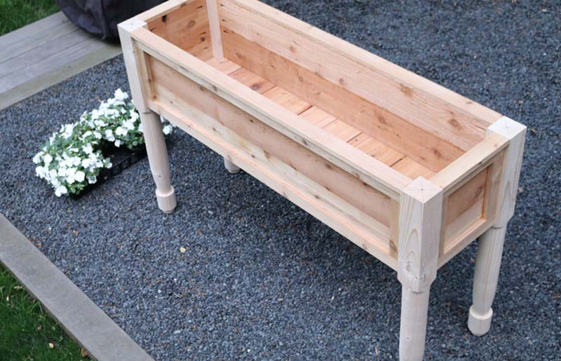 Flower Box Planter – Free Design Plans