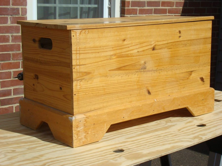 Build a Blanket Chest / Toy Chest - FREE DESIGN PLANS ...