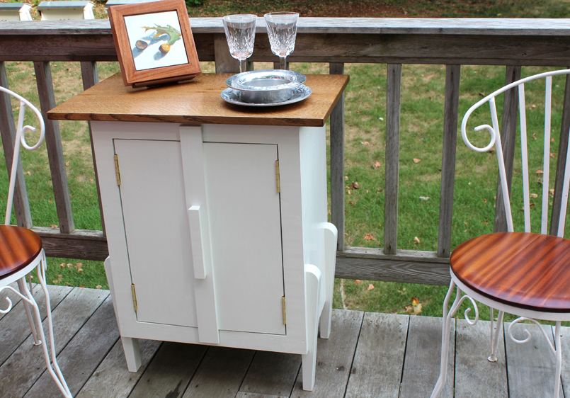 The Outside Bar and Store Cabinet with Doors Closed