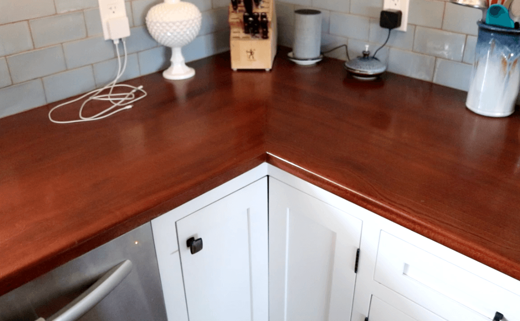 Wooden Countertop Miter Joint 4 Years later + LED Cabinet Lighting